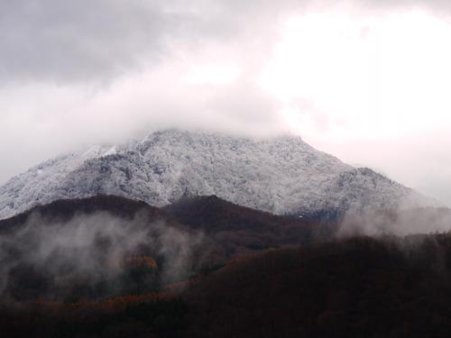 雪 苗場山